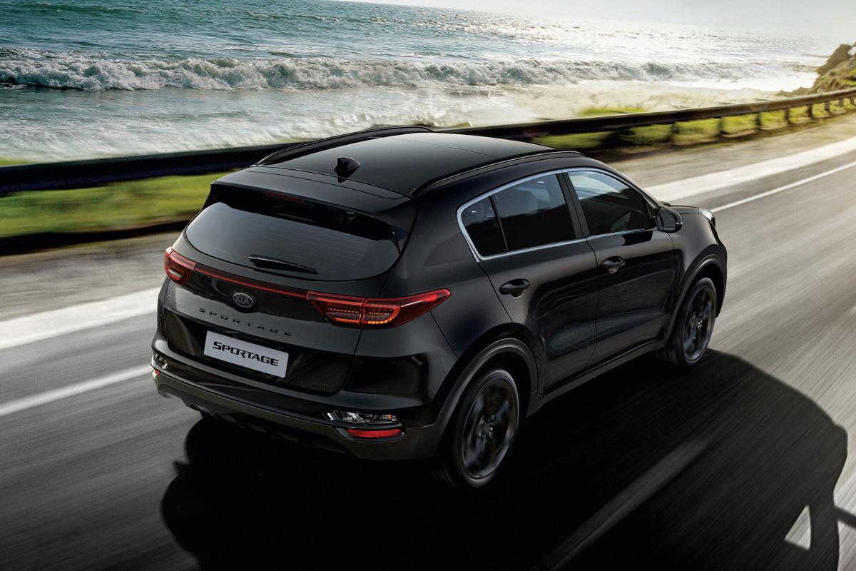 Kia Sportage Black Edition dynamisch hinten